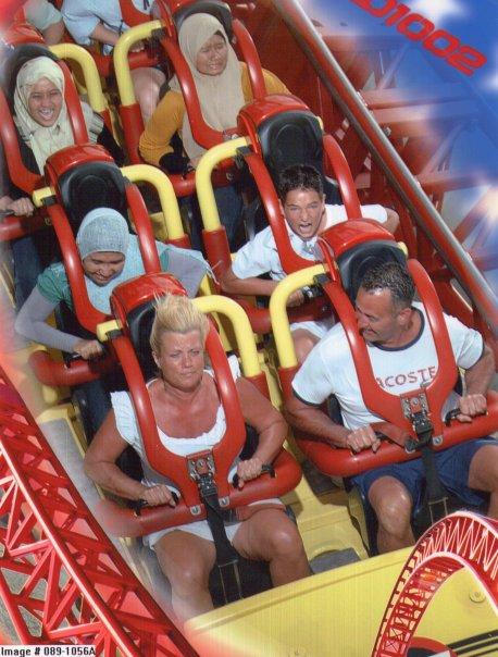 Roller Coaster at Gold Coast. Muka Dayah takut habis. Kelakar gila!